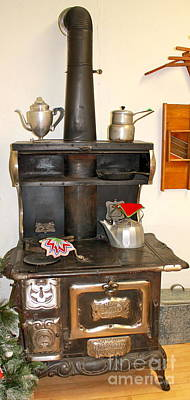 Photograph - Beautiful Stove by Pamela Walrath