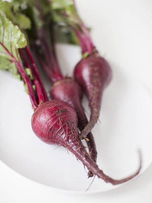 Y120907 Photograph - Beetroots On Plate, Studio Shot by Jessica Peterson