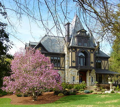 Photograph - Beringer Winery Mansion by Jeff Lowe