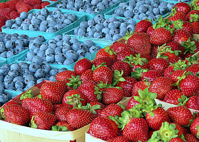 Farmstand Photograph - Berries by Janice Drew