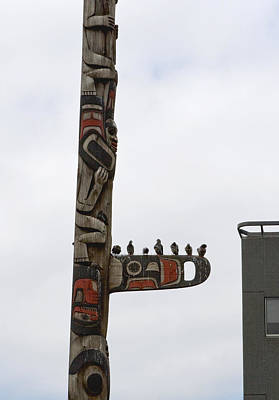 Photograph - Birds On A Totem by Lorraine Devon Wilke