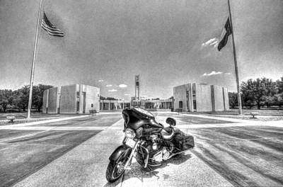 Photograph - Black And White - Pgr At Houston National Cemetery by David Morefield