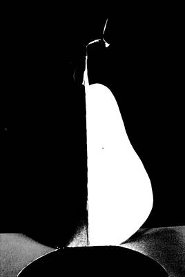 By Artist Singh Painting - Black And White Pear  by Artist Singh