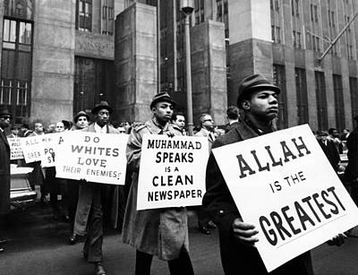Black Muslims Picket Front Of New York Print by Everett