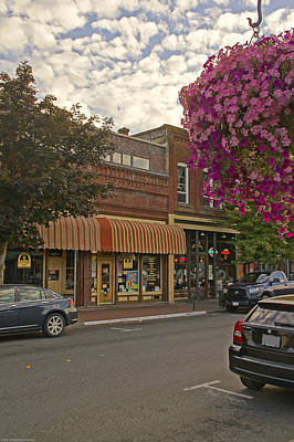 Blind Georges And Laughing Clam On G Street In Grants Pass Art Print