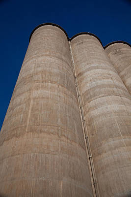 Photograph - Blue Day Silo by Carole Hinding