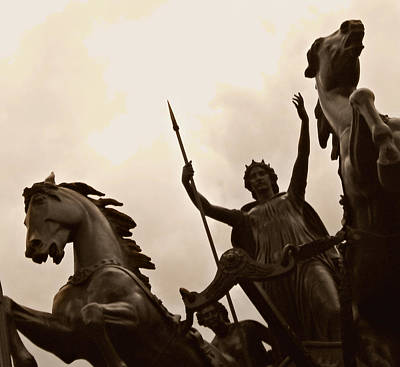 Boudicca Photograph - Boadicea Statue by Connor Paschke