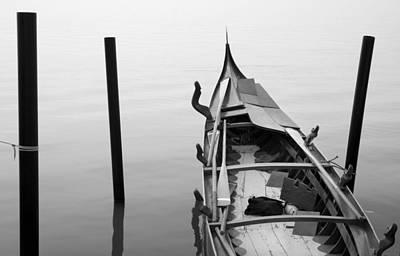 Boat In Venecia Art Print by Zarija Pavikevik