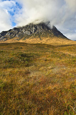 Stob Dearg Photograph - Boggy Ground Below The Buckle by Gary Eason