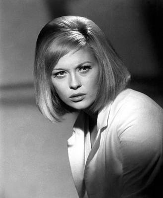1967 Movies Photograph - Bonnie And Clyde, Faye Dunaway, 1967 by Everett