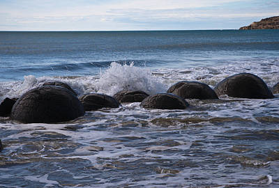 Photograph - Boulders by Graeme Knox
