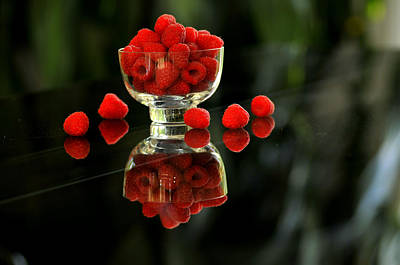 Photograph - Bowl Of Raspberries by Douglas Pike