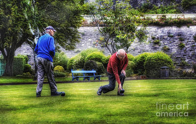 Photograph - Bowlers by Ian Mitchell