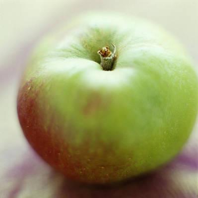 Bramley Apple Art Print by David Munns