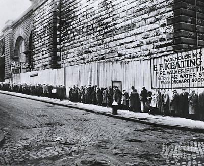 Bread Line Beside The Brooklyn Bridge Print by Photo Researchers