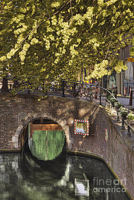 Overhang Photograph - Brick Bridge Over Canal by Andersen Ross