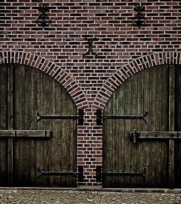 Brick Zipper Art Print by Odd Jeppesen