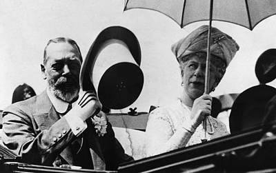 King George V Photograph - British Royal Family. British King by Everett