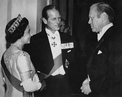 British Royalty. From Left  Queen Print by Everett