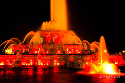 Buckingham Fountain Wall Art - Photograph - Buckingham Fountain At Night In Chicago by Paul Velgos