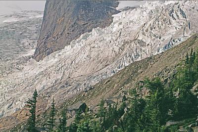 Bugaboo Glacier Flows Around The Hounds Art Print