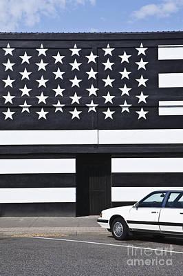 Building With An American Flag Paint Job Art Print by Paul Edmondson