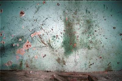 Dod Photograph - Bullet Riddled Wall Of The Dom Kulture by Everett