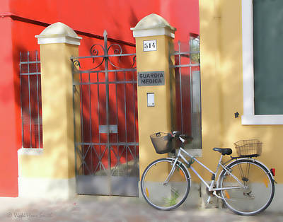 Photograph - Burano Bicyle Doctor by Vicki Hone Smith