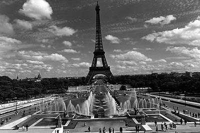 Bw France Paris Fontain Chaillot Tour Eiffel 1970s Art Print by Issame Saidi