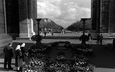 Bw France Paris Triumphal Arch Unknown Soldier 1970s Art Print by Issame Saidi