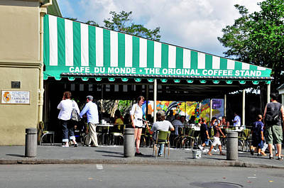 Photograph - Cafe Du Monde by Helen Haw