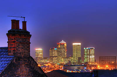 Canary Wharf Art Print by Andy Linden