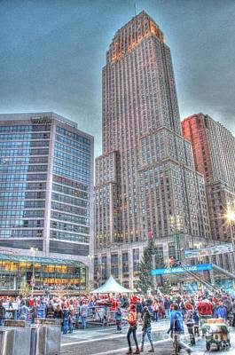 Photograph - Carew Tower From Fountain Square by Jeremy Lankford