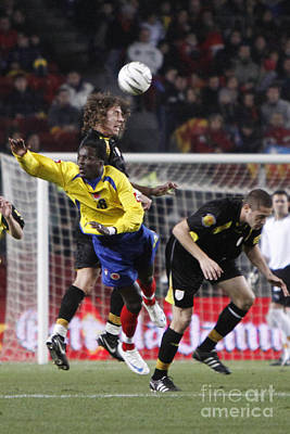 Photograph - Carles Puyol Jumping by Agusti Pardo Rossello