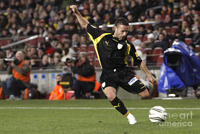 Photograph - Catalan Player Shooting by Agusti Pardo Rossello