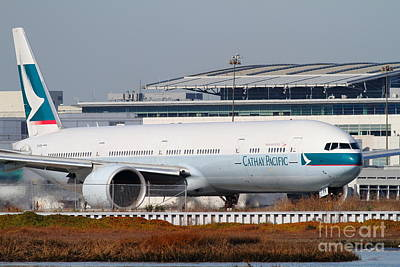 Boeing 787 Dreamliner Photograph - Cathay Pacific Airlines Jet Airplane At San Francisco International Airport Sfo . 7d11850 by Wingsdomain Art and Photography