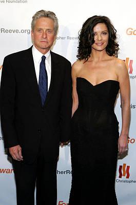 Michael Douglas Photograph - Catherine Zeta-jones, Michael Douglas by Everett