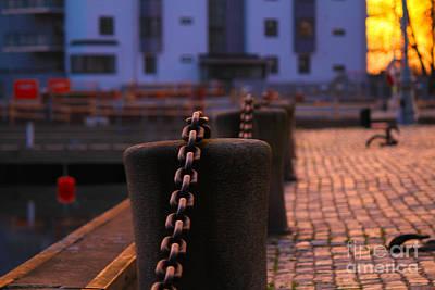 Decorativ Photograph - Chains by Miso Jovicic