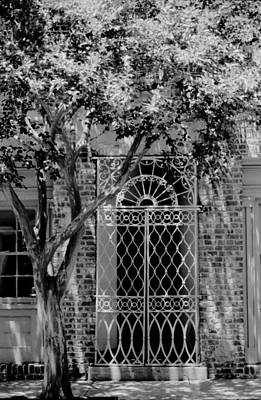 Photograph - Charleston City Street Scene by Emery Graham