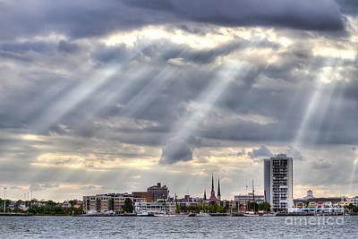 Charleston Maritime Center Sun Rays Art Print