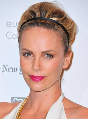 Charlize Theron Wearing A Jennifer Behr Art Print
