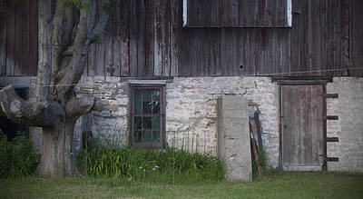 Photograph - Chez Cheryl Barn by Tim Nyberg