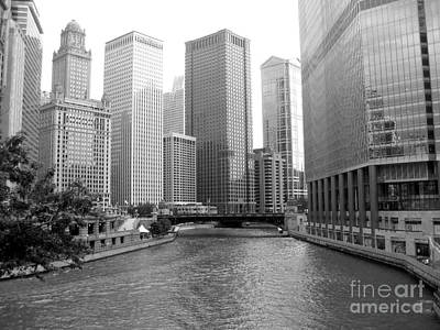 Photograph - Chicago River - Black And White by Sonia Flores Ruiz