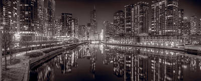 Riverwalk Photograph - Chicago River East Bw by Steve Gadomski