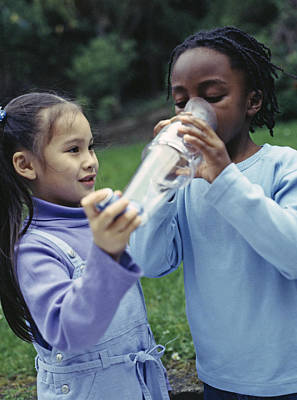 Spacers Photograph - Children Using Asthma Inhaler by Ian Boddy