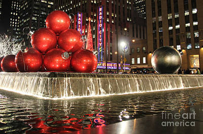 Photograph - Christmas In Nyc At Radio City Music Hall by Lee Dos Santos