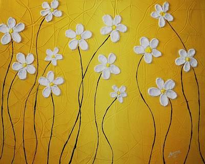 Cinco Petalos Tenia La Margarita Art Print by Edwin Alverio