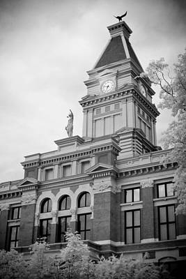 Clarksville Photograph - Clarksville Court House by Paul Bartoszek