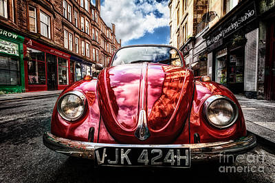 Sniper Photograph - Classic Vw On A Glasgow Street by John Farnan