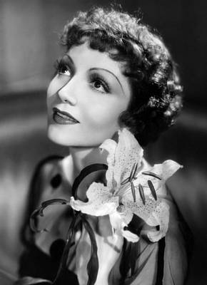 Claudette Colbert, Paramount Pictures Art Print by Everett